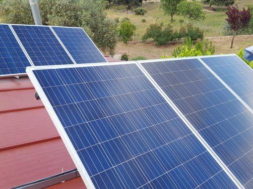 Instalación fotovoltaica Carretera Encinasola