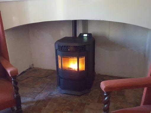 Instalación Estufa Pellets Casa Rural Jerez de los Caballeros