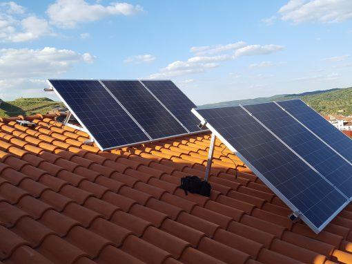 Instalación Fotovoltaica Aislada en Salvaleón