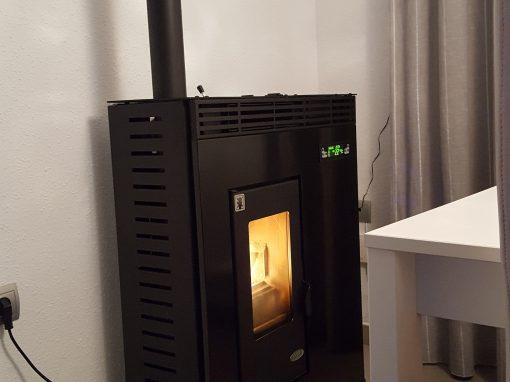 Instalación de Estufa de Pellets de Pasillo 11 kW en Barcarrota