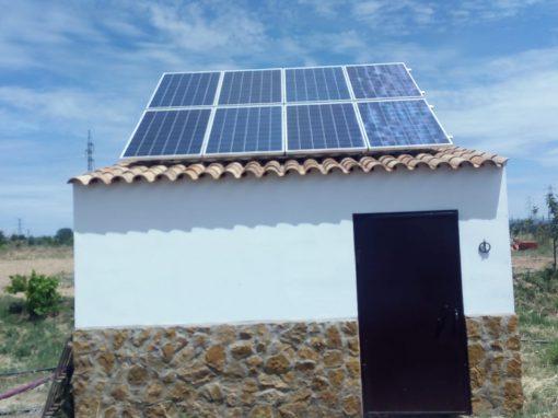 Instalación Fotovoltaica Aislada en Valuengo