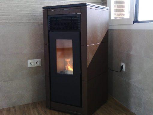 Instalación Estufa de Pellets Nerea 12 en Valle de Santa Ana