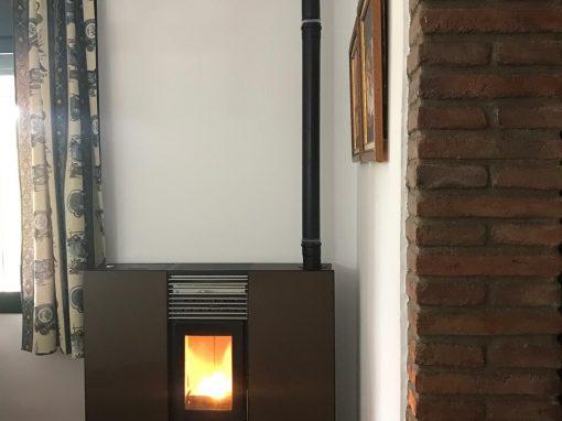 Instalación Estufa de pellets de pasillo Phoenix en Jerez de los Caballeros
