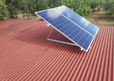 Instalación Fotovoltaica Aislada en Higuera la Real, placas soalares, 330W, instalación sencilla, casas de campo,