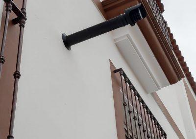 Salida de humos basica, tubo vitrificado pellet, sombrerete de fachada vitrificado, sombrerete horizontal, embellecedor exterior negro
