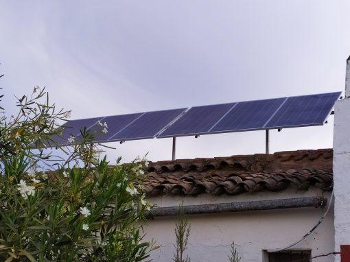 Instalación Fotovoltaica Aislada en Zahínos