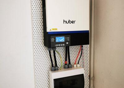 Inversor cargador hibrido regulador de carga 5000 W de potencia Hubber Connect Empresa de energia Energias renovables Acabado profesional