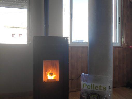 Instalación de Estufa de Pellets Nerea 10 kW en Alburquerque