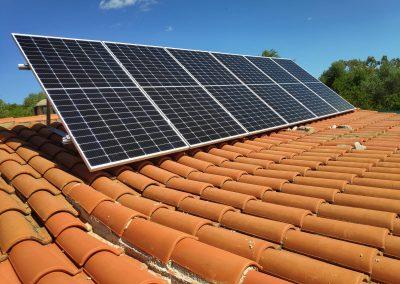 Instalación fotovoltaica aislada en Fregenal de la Sierra